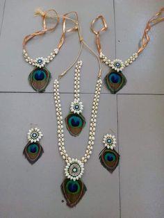ideas for diy wedding garland fabric Flower Jewellery For Mehndi, Gold Jewellery Design, Flower Jewelry, Cute Jewelry, Bridal Jewelry, Gota Patti Jewellery, Jewelry Patterns, Handmade Jewelry, Fashion Jewelry