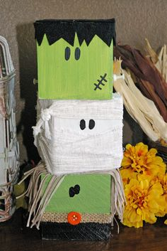 Square Boxes for porch decoration Cute! Suggested that witch be on top with hat.