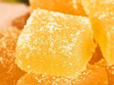 Johanna Westmans äppelkonfekt Candy Recipes, Baking Recipes, Snack Recipes, Dessert Recipes, Snacks, Christmas Desserts, Christmas Baking, Ice Cream Candy, Homemade Candies