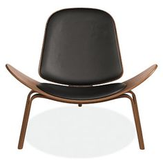 Wegner Shell Chair from Room & Board Brown Cushions, Stylish Bedroom, Chair Types, Living Room Chairs, Living Area, Modern Chairs, E Design, Chair Design, Accent Chairs
