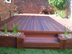 Backyard Decking - Love the planter boxes in the deck