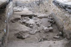 Yet more skeletons!  Twenty of them, this time, uncovered during city works in Cholula in the Mexican state of Puebla.  They're pre-Columbian and were buried with a variety of offerings like vases and wind instruments.