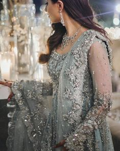 Health, Fashion, Mehindi, Dressing : Dulhan bride makeup and mehindi lovely Asian Bridal Dresses, Pakistani Formal Dresses, Pakistani Wedding Dresses, Pakistani Outfits, Bridal Outfits, Indian Dresses, Indian Outfits, Indian Engagement Outfit, Engagement Outfits