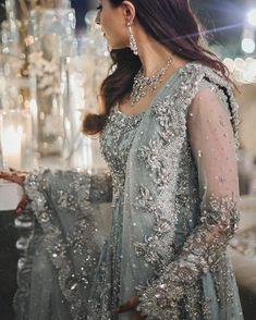 Health, Fashion, Mehindi, Dressing : Dulhan bride makeup and mehindi lovely Pakistani Formal Dresses, Pakistani Wedding Dresses, Pakistani Outfits, Indian Dresses, Indian Outfits, Indian Fashion, Boho Fashion, Fashion Dresses, Frock Fashion