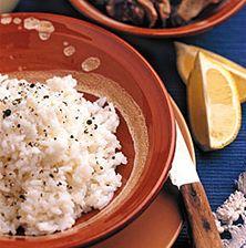 Το φημισμένο Κρητικό πιλάφι με την υπέροχη γεύση από το στακοβούτυρο και τον πλούσιο ζωμό από δύο έως τρία κρέατα που συμβράζονται. Όλα τα μυστικά για να το πετύχετε τώρα και στο σπίτι σας