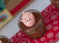 pig topper on mousse - looks like a pig in mud!