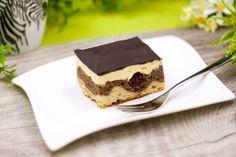 Die low carb Donauwelle ist perfekt für Familienfeste und Feiern aller Art. Der Blechkuchen sorgt für einen kleinen WOW-Effekt.