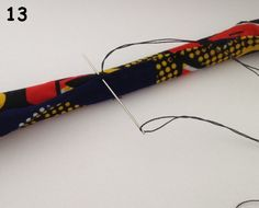 Wax fabric necklace and his tutorial (DIY- Tuto wax fabric necklace with padded balls with wadding Source by alexemui - Fabric Bracelets, Fabric Necklace, Diy Necklace, Necklaces, African Accessories, African Jewelry, African Necklace, Textile Jewelry, Fabric Jewelry
