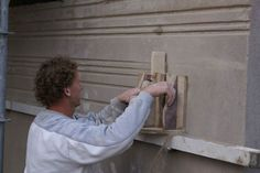 Stripe House GAAGA Running moulding in exterior plaster (us stucco).