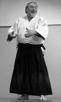 Ali Amrani et l'équipe Aïkido-Budo : présente ce jour au STAGE-ANNIVERSAIRE de Jean-Claude JOANNES souhaitent formuler tous leurs remerciements à toute l'Équipe de : http://aikido-joannes.net/AIKIDO_JOANNES/Accueil.html  Ainsi qu'à tou(te)s les pratiquant(e)s et enseignant(e)s pour cette très belle matinée de partage au dojo de l'AÏKIDO ÉCOLE TAMURA. Stage animé par : 1ère partie : Toshiro Suga Sensei - 7ème Dan Aikikai Shihan. 2ème partie : Jean-Claude Joannes Senseï - 7ème Dan #aikido