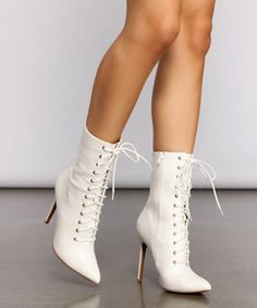 White Lace Boots, Lace Ankle Boots, Lace Heels, Lace Up Booties, Heeled Boots, Dr Shoes, Cute Shoes Heels, Me Too Shoes, Victorian Shoes