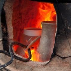 This is a guide about making a kiln. You have taken some pottery classes and are now hooked. You have either bought your own wheel, are hand building, or perhaps you prefer sculpture. Now that your art piece is finished it is time to fire it.