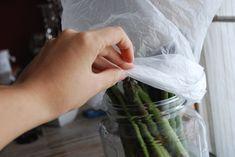 How to Store #Asparagus using a #Plastic #Bag. www.interplas.com/poly-bags