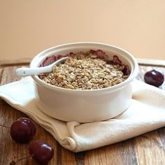 Dessert for breakfast? Yes, please.And it's HEALTHY, too! CHERRY COCONUT BREAKFAST CRUMBLE.