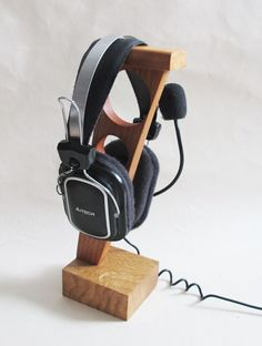 Items similar to Wood Headphone Stand, Wooden Headphone Holder, Rustic Wooden Headphone Stand, Boyfriend Gift, Gift for Men on Etsy Diy Headphone Stand, Headphone Storage, Headphone Splitter, Headphone Holder, Cordless Headphones, Diy Headphones, Diy Projects For Men, Diy For Men, Skullcandy Headphones