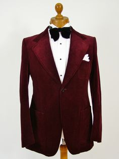 Velvet blazers, dinner jackets and smoking jackets at Tweedmans Vintage... Top notch gentlemens vintage clothing and accessories. http://www.tweedmansvintage.co.uk/