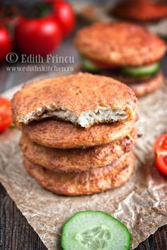 Buns with cheese and oat bran Dukan Diet, Protein Diets, Salmon Burgers, I Foods, Deserts, Food And Drink, Healthy Eating, Cooking Recipes, Dinner