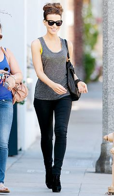 Kate Beckinsale looked effortlessly cool walking down a street in L.A. Love her laid back look!