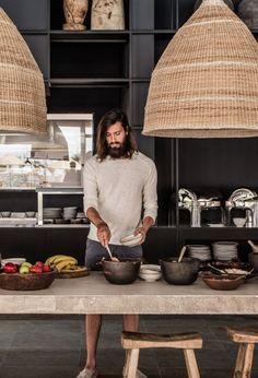 ... eller vad tycker ni? Ett mörk kök, med rustika material, allt är stort, grovt och överdimensionerad men ändå så fin känsla. Jag är... http://tracking.publicidees.com/clic.php?progid=2221&partid=48172&dpl=https%3A%2F%2Fwww.gifi.fr%2Fcuisine-art-de-la-table%2Fcuisine.html
