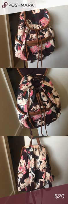American Eagle Floral Print Backpack Small American Eagle day back pack. Perfect size to use as a day trip / festival type bag. Perfect condition. American Eagle Outfitters Bags Backpacks