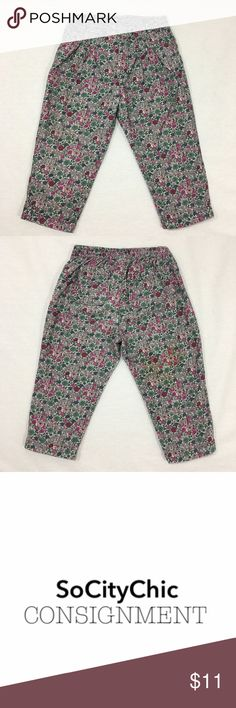 BABY GAP FLORAL HEREM PANT BABY GAP FLORAL HEREM PANT. ELASTIC WAIST BAND. FRONT POCKET DETAIL WITH PLEATS. TWO BACK POCKETS. CORDUROY FEEL. FABRIC: COTTON. CONDITION: GENTLY USED/ NO SIGNS OF WEAR. SIZE 18-24M GAP Bottoms Casual
