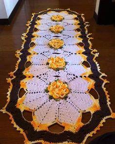 Crochet Bedspread Patterns Part 9 - Beautiful Crochet Patterns and Knitting Patterns Christmas Crochet Patterns, Crochet Flower Patterns, Crochet Designs, Knitting Patterns, Bag Patterns, Thread Crochet, Crochet Stitches, Crochet Bedspread Pattern, Free Crochet Bag
