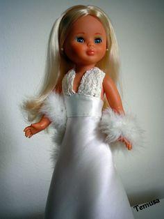 Pasión por nancy: VESTIDO NOVIA Vestidos Nancy, American Girl, Nancy Doll, Barbie, Bride Dolls, Madame Alexander, Boy Doll, Cute Dolls, Crochet Dolls