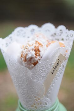 Donut Holes - Homemade Wedding Favors - Inspired By This Homemade Wedding Favors, Beach Wedding Favors, Unique Wedding Favors, Chic Wedding, Unique Weddings, Wedding Blog, Wedding Details, Wedding Ideas, Wedding Lace