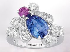 Bee my love ring in white gold, set with a central tanzanite and diamonds. Chaumet, Paris