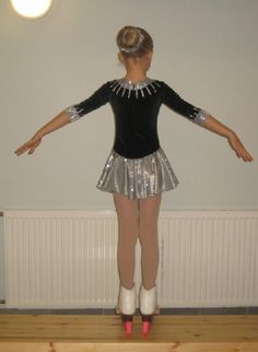 Diy dress? Note to self: black and silver, a lovely combination on ice!