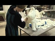 Create paper mache sculptures / papier mache beelden maken - YouTube Another interesting method.
