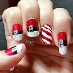 Merry Christmas nail art. :) #MerryChristmas #nailartaddict #nailart #santa #candycane #polishaholic #nailpolish #love #mani #ilovenailpolish | 相片擁有者 I_am_LadyJai