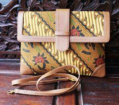 Whatsapp +6281310037425 #tastenun #tas #handbags #bags #totebags #indonesia #ethnic #handmade #fashion #souvenir #travel #tasbatik #batik #woven #ikat #beg #leather #taskulit #tasrotan #leatherbags #rattanbags #tenun #rotan #clutchrotan