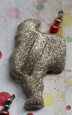 Glitter vintage cookie cutters for neat ornaments on a kitchen Christmas tree (or garland or wreath)