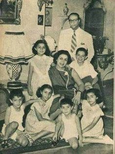 Old Pictures, Old Photos, Arab Celebrities, Celebs, Pyramids Egypt, Egyptian Actress, Old Egypt, Islamic Art Calligraphy, Historical Pictures