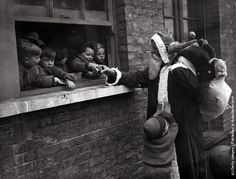 Father Christmas delivering presents to the Children's Aid and Adoption Society at Leytonstone, London. (Photo by Fox Photos/Getty Images). November (old christmas photos) London Christmas, Old Christmas, Father Christmas, English Christmas, Christmas Albums, Magical Christmas, Antique Christmas, Christmas Music, Christmas Morning