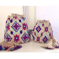 🌸 Mom and daughter's Chila Bags Crotchet Bags, Knitted Bags, Tapestry Crochet Patterns, Tapestry Bag, Single Crochet Stitch, Tapestry Design, Love Crochet, Handmade Bags, Purses And Bags