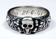 Heinrich Himmler TOTENKOPF RING der SS  http://germanring.lv/ru/the-ss-totenkopf-ring/505-heinrich-himmler-totenkopf-ring-der-ss.html