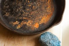 So you made a mistake? Fear not! It's possible to get rusted cast iron cookware back to cook-ready condition!