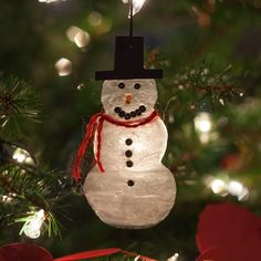 How to Make a Snowman Ornament Out of Glue