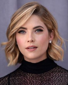 13 Effortlessly Chic Celebrity Short Hairstyles for 2015: #9. Ashley Benson Side-parted Short Haircut
