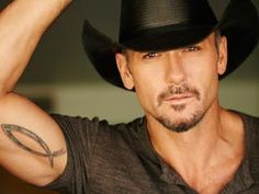 According to my husband if someone made a Disney version of out cat Gixser, Tim McGraw could play him.because Disney animals always are illustrated to look like the actor who voices them and our cat resembles Tim McGraw Country Music Stars, Country Music Singers, Country Artists, Famous Country Singers, Country Musicians, Country Men, Country Girls, Country Strong, Country Life