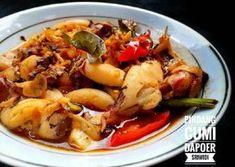 Pindang cumi Pork Recipes, Asian Recipes, Cooking Recipes, Asian Foods, Calamari Squid, Indonesian Cuisine, Fish And Seafood, Food And Drink, Menu