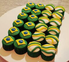 Maybe I could do these with frosting instead of fondant.