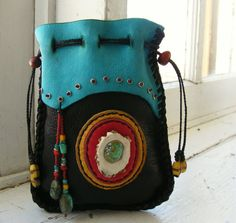 LA FONDA Deerskin Leather Medicine BAG Spirit Pouch with antique trade beads, Turquoise, Antler inlay Leather Pouch, Leather Purses, Leather Totes, Leather Bags, Shabby Chic Stil, Medicine Bag, Boho Bags, Deer Skin, Beaded Bags