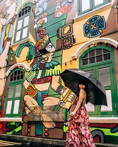 Cool free things to do in Singapore that you must do and won't believe are actually free. Great for when you're visiting one of the most expensive cities in Southeast Asia. Singapore Travel Outfit, Singapore Travel Tips, Singapore Photos, Singapore Vacation, Haji Lane Singapore, Singapore Guide, Visit Singapore, Indoor Waterfall, Asia Travel