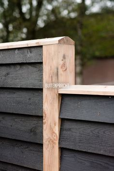 Diy Backyard Fence, Diy Fence, Fence Landscaping, Backyard Garden Design, Backyard Projects, Garden Projects, Wood Fence Design, House Cladding, Garden Fencing