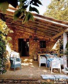 rustic-outdoor-space-designers-guild-tuscany-italy-200508-2_1000-watermarked.jpg (1000×1245)