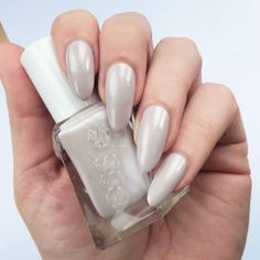 Looking for easy nail art ideas for short nails? Look no further here are are quick and easy nail art ideas for short nails. Gray Nails, Pastel Nails, Yellow Nails, White Nails, Pink Nails, Gel Nail Tips, Nail Manicure, Manicures, Essie Gel Couture Review
