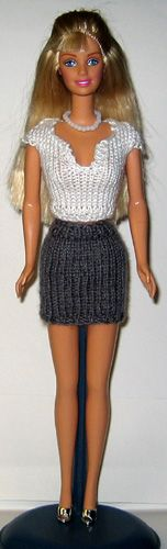 loads of knitting patterns for barbie style dolls